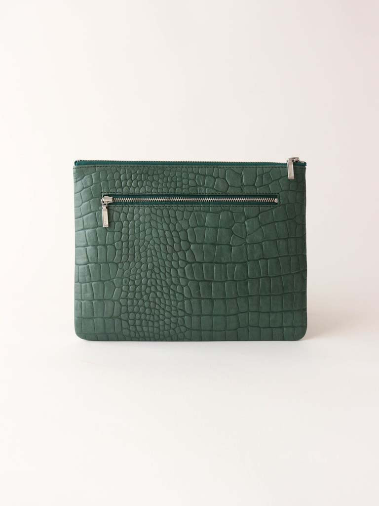 Antiheroine Clutch