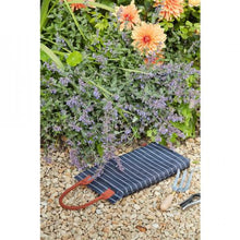 Load image into Gallery viewer, Garden Kneeler