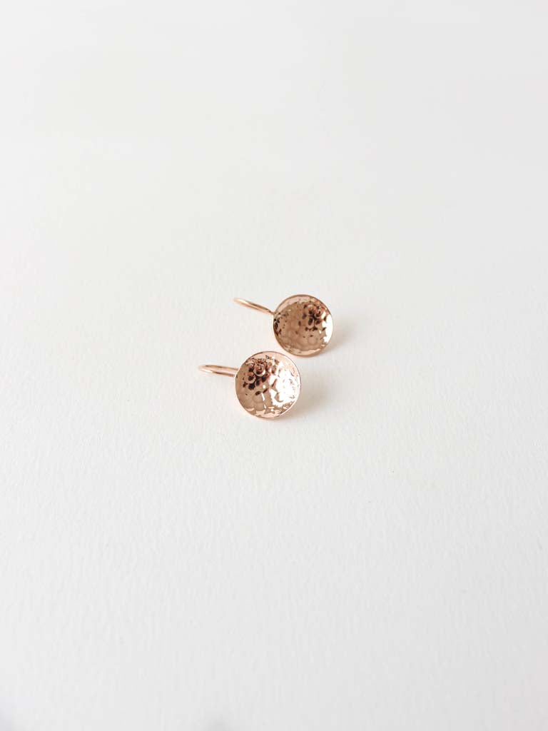 Saucer Earrings in beaten Rose Gold