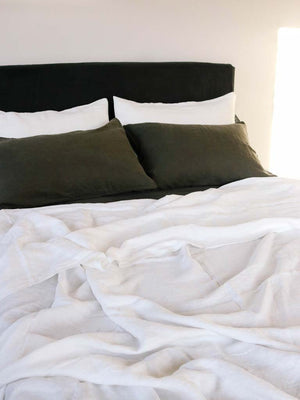 Luxury Linen | Showing Peat & Off White