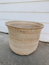 Load image into Gallery viewer, Medium Sized Handmade African Basket