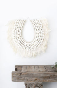 Simple Crisp White Shell Knotted Neck Wall Art