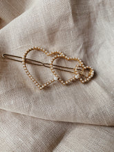 Load image into Gallery viewer, Valentine Heart Pearl Hair Slide Clip