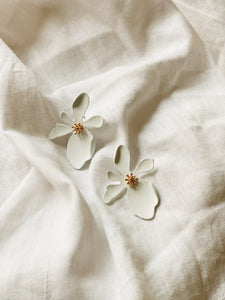 FLORA WHITE Maxi Stud Earrings | By: Life in the sun store