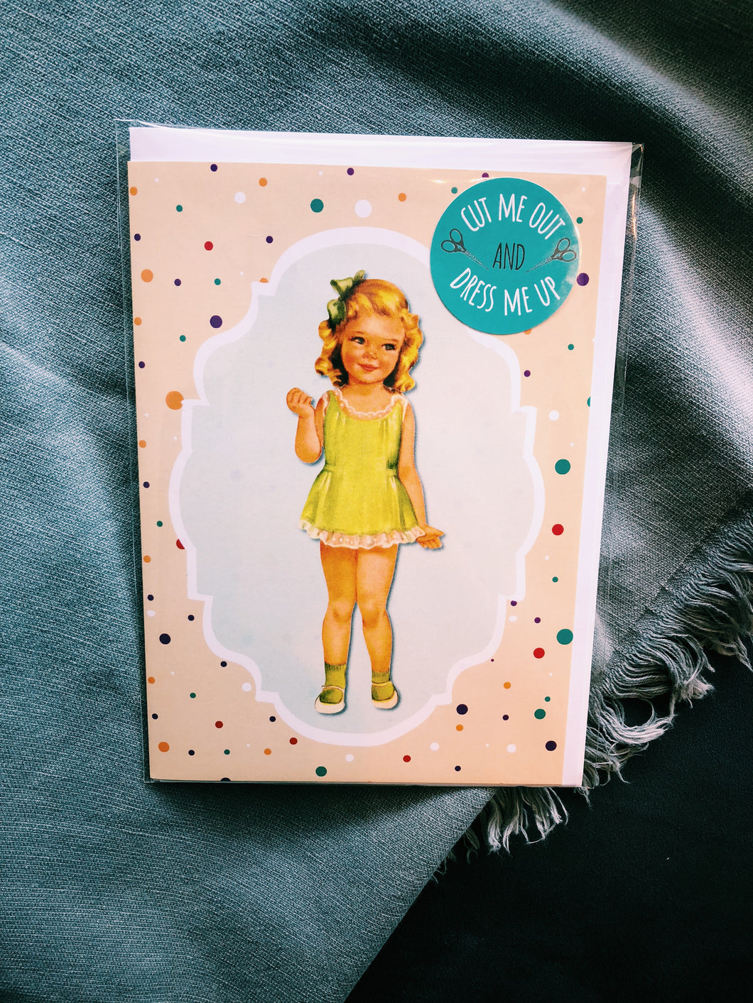 VINTAGE CUT OUT AND DRESS UP CARD - GREEN - DM4