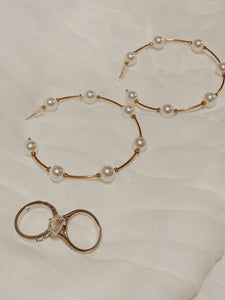 Daily Dainty Pearl Hoops | By: Life in the sun store