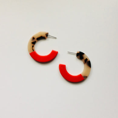 Resin Red + Tortoise Hoops | By: Life in the sun store