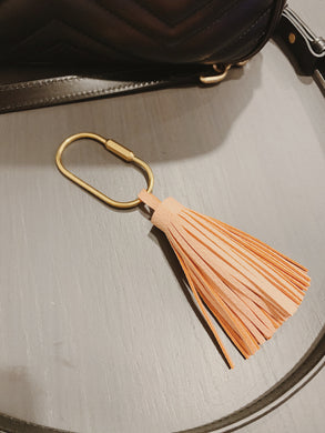 METAL + TASSEL KEY HOLDER BLUSH