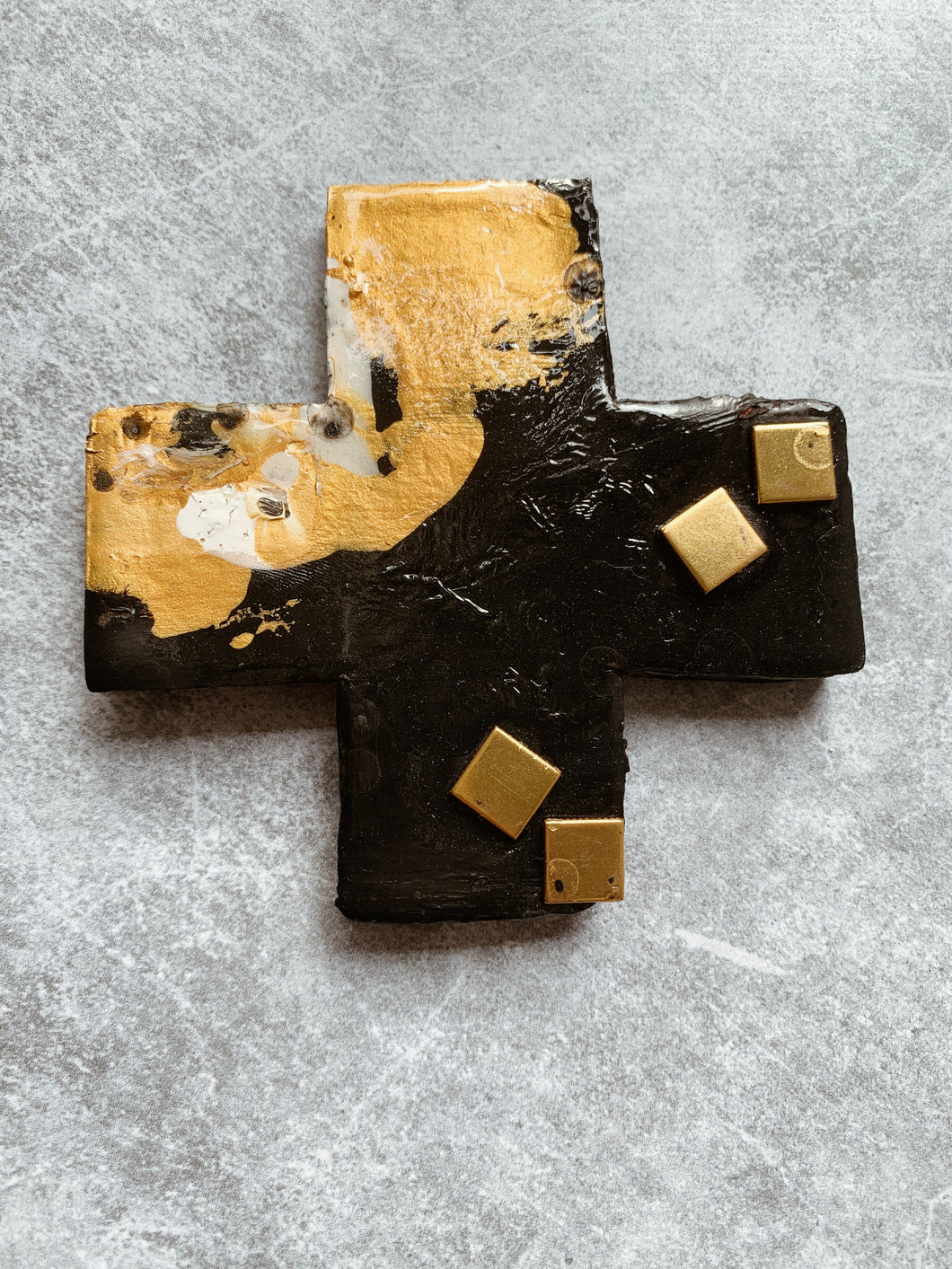 Ana - Monochrome Stud Ceramic Cross