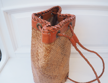 Load image into Gallery viewer, LEATHER DETAIL RATTAN BASKET BAG WITH MATERIAL INNER
