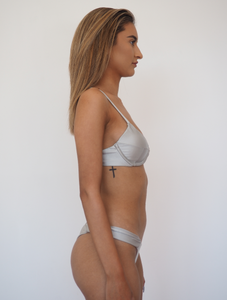 Gerry Can's Zephy top in Silver is an underwire bralette bikini top which provides support and has removable padding for different bust sizes.
