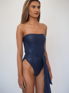 FARAH // Iconic 80's style wrap around one piece GERRYCAN