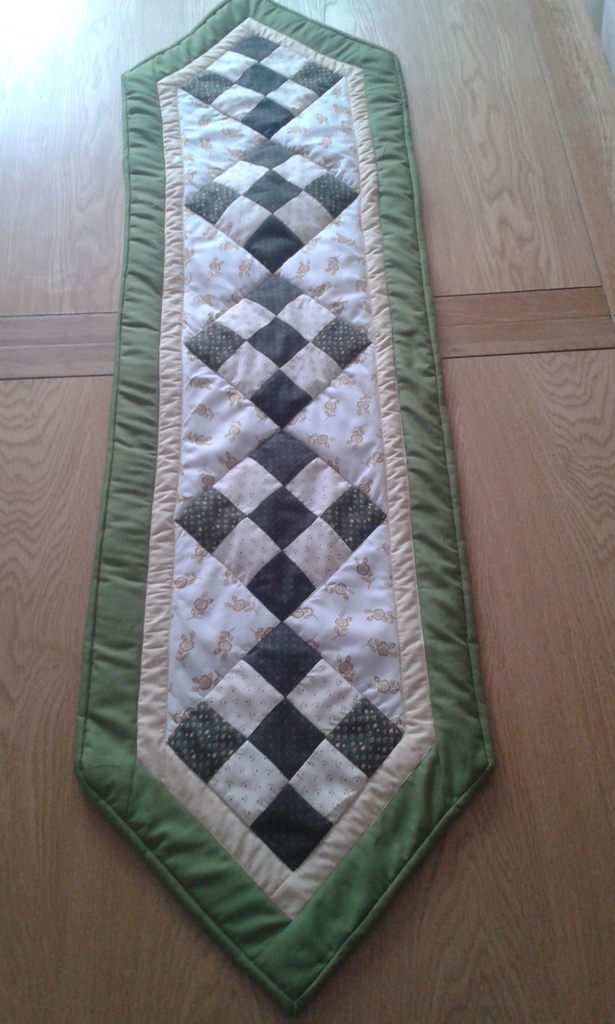 Nine Patch Table Runner Pattern