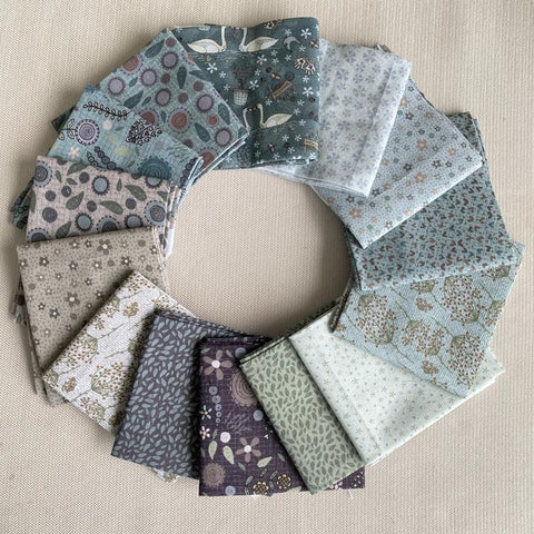 Lynette Anderson - Swan Cottage - Fat Quarter bundle