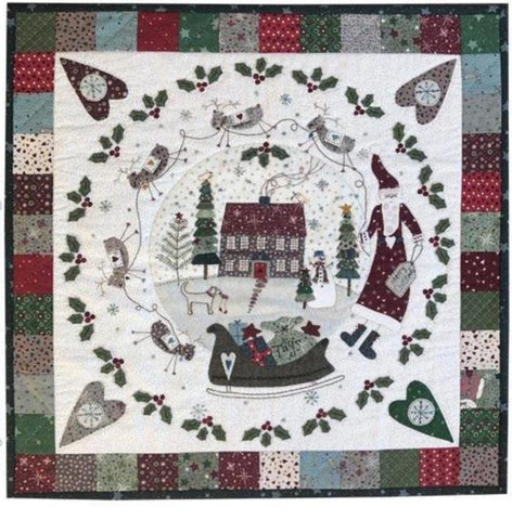 Lynette Anderson  Hollyberry Farm Wallhanging pattern