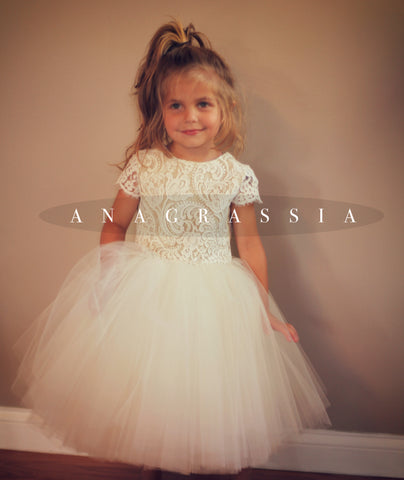 Communion Anagrassia Lace and tulle flower girl dress
