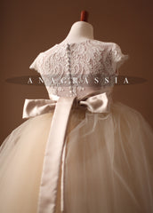 communion, first communion, anagrassia, special occasion, lace, tulle, girls, satin, ivory, champagne, tutu, soft, french, alencon, special occasion