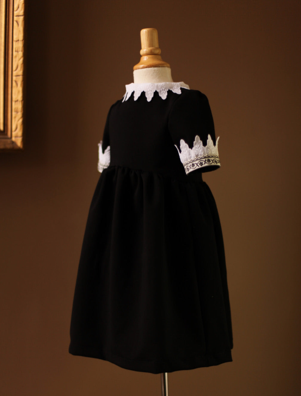Girls Little Black Dress lace Collar