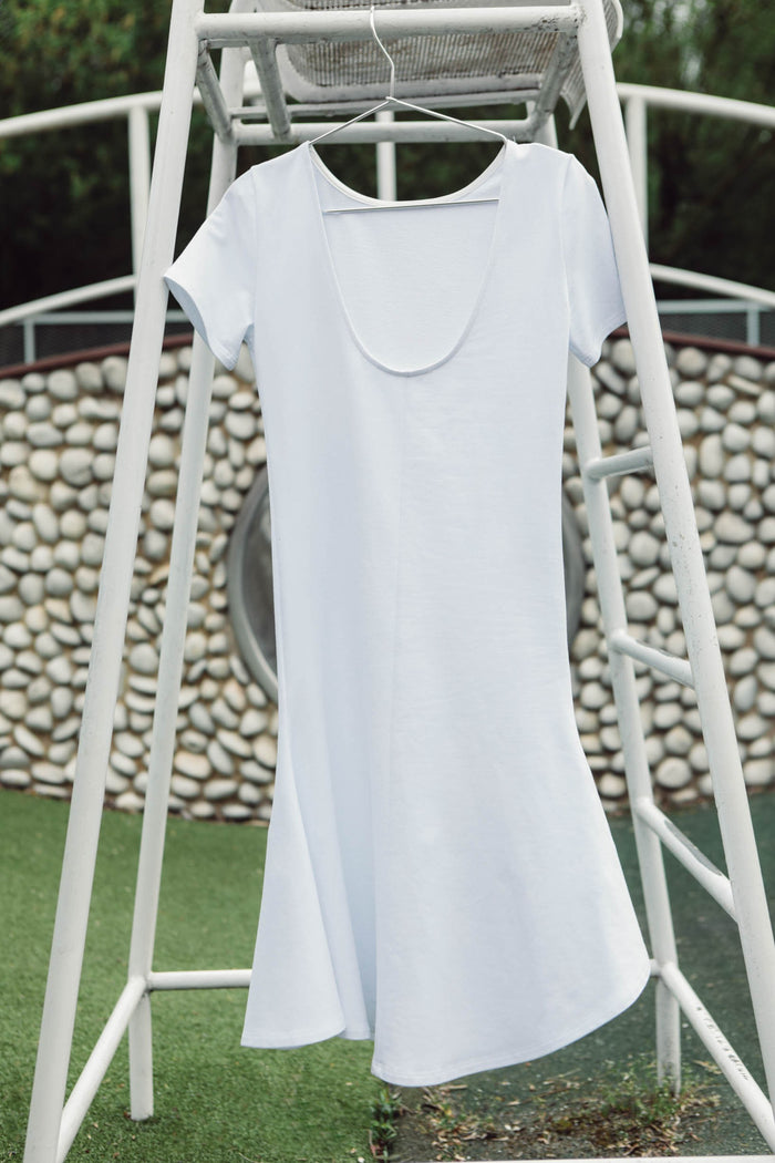 Women simple white cotton dress mi-long