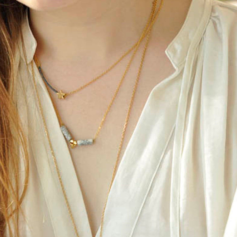 Thin gold necklace with semi-precious stonesTips Necklace - Azucar Bijoux