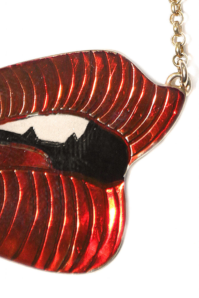 Handmade Gold Lips Necklace Desir Nulook Alice Hubert - Alice Hubert