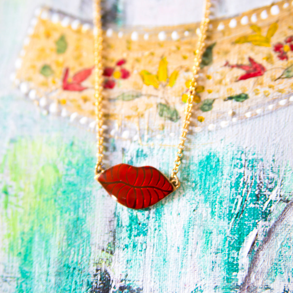 Gold Necklace Small Red Lips Petit Baiser Alice Hubert - Alice Hubert