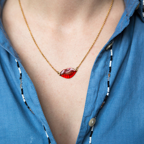 Gold Necklace Small Red Lips Petit Baiser Alice Hubert