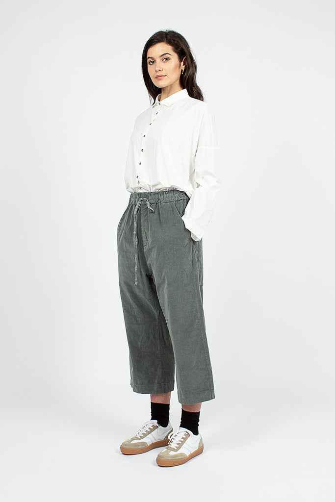 23_206 Wide Cropped Velvet Trousers Grey