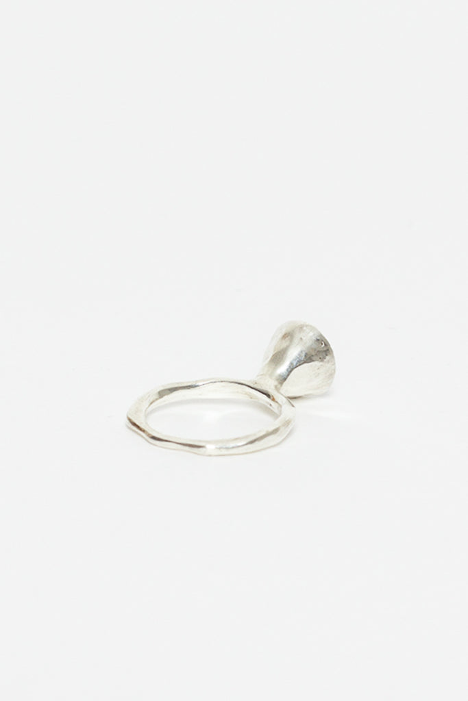 Noufa 4 Bell Flower Ring With Rubis