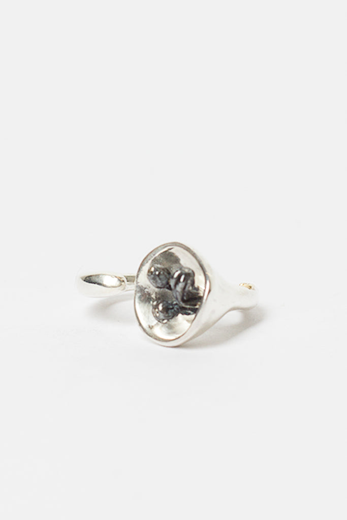 Saxo Twisted Bell Flower Cognac Diamond Ring