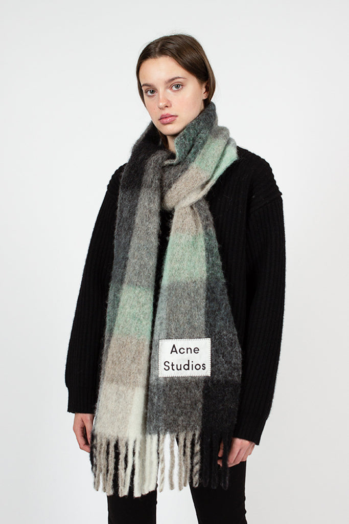 Grey Check Vally Scarf