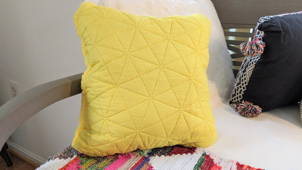 "Throw Pillow - DaDa Bedding Hand-Made Tuscan Sun Yellow Sherpa Backside Quilted Throw Pillow - 18"" x 18"" - DaDa Bedding Collection"