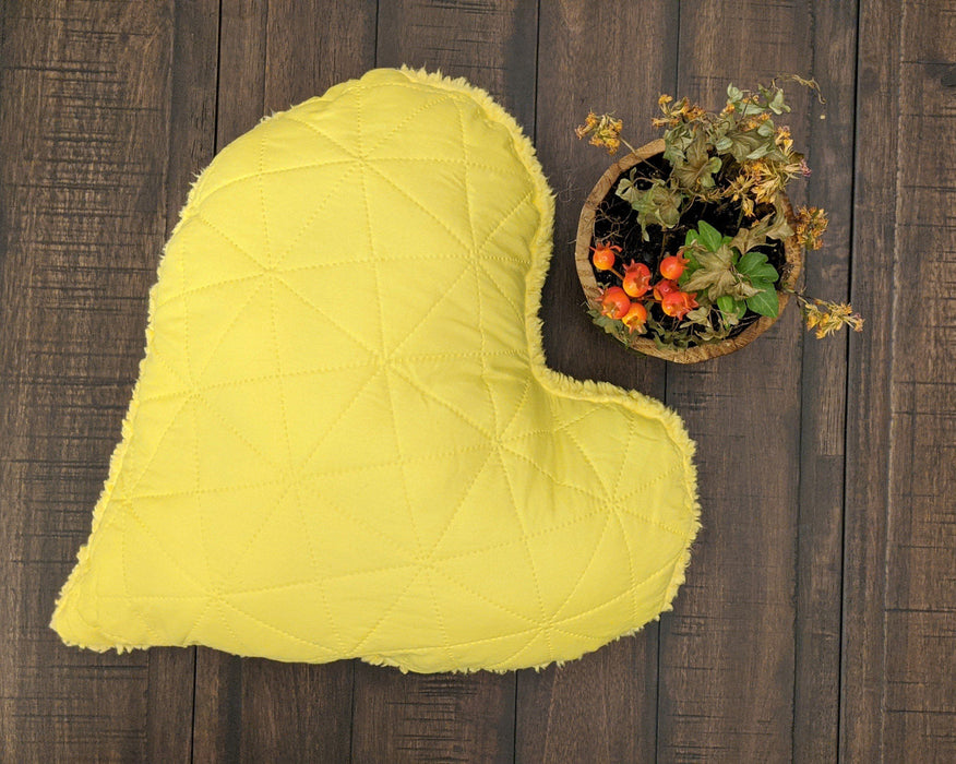 "Throw Pillow - DaDa Bedding Hand-Made Cozy Yellow Romantic Valentine Heart Shaped Throw Pillow - 16"" x 14"" - DaDa Bedding Collection"