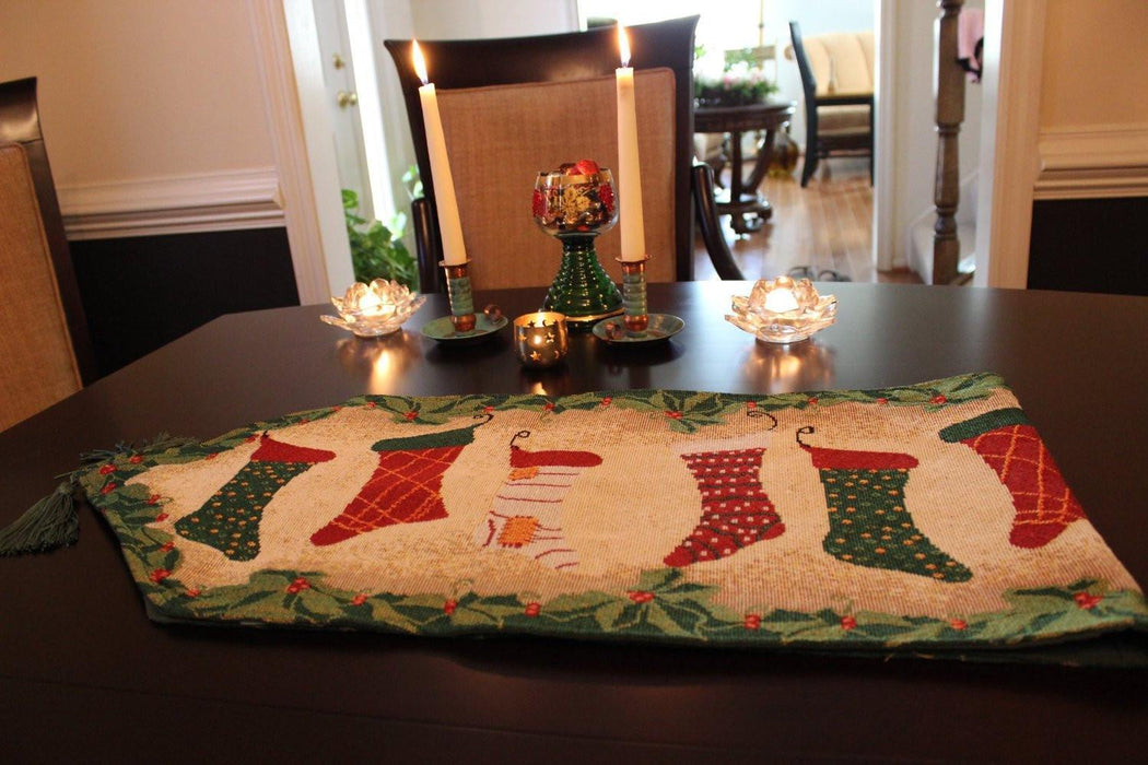 Tablerunners - Tache Hang My Stockings By The Fireplace Table Runners