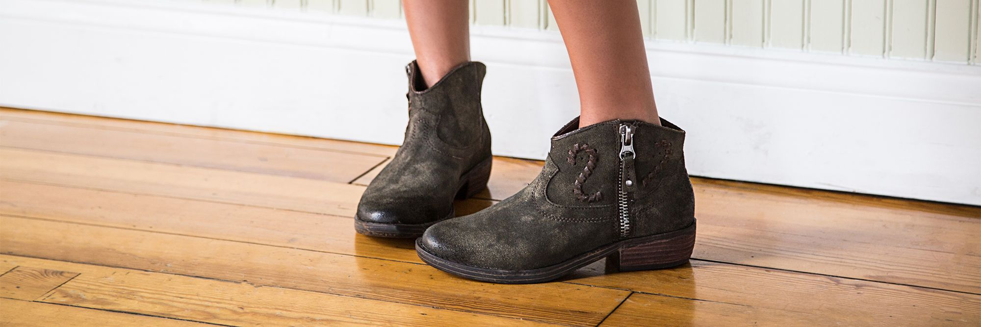 How to Style Boots for Summer
