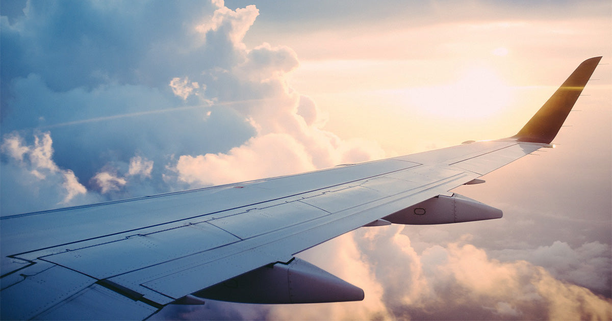 5 Travel Essentials You Need for a Long Flight