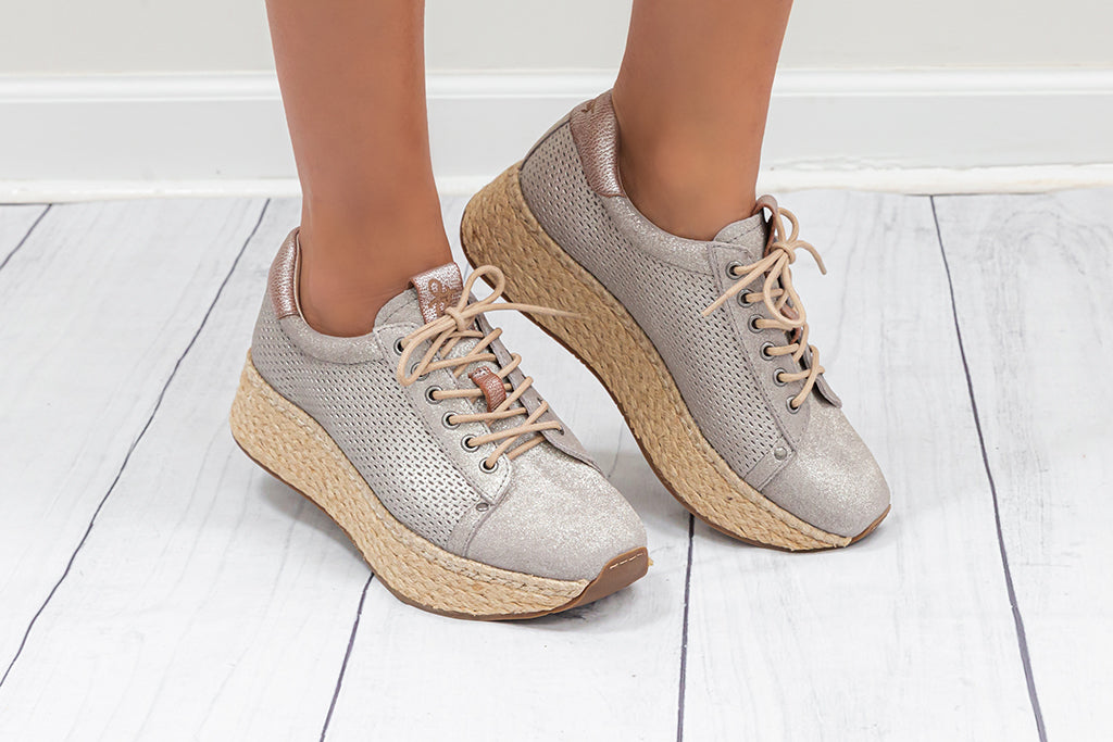 Wedge metallic sneaker