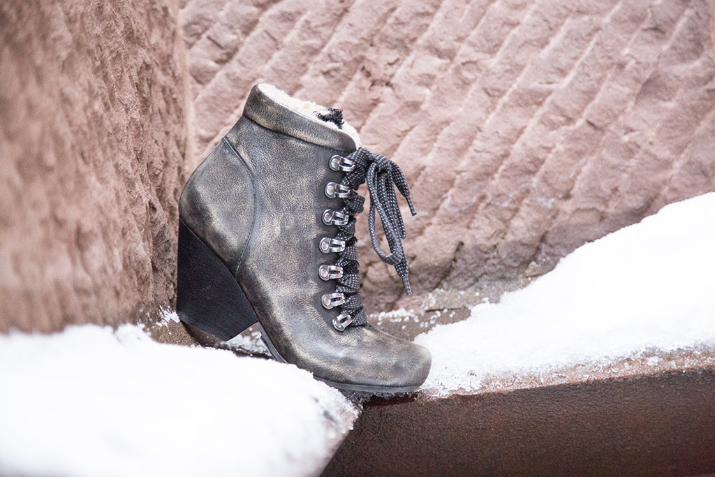 must have shoes otbt snow day boots winter