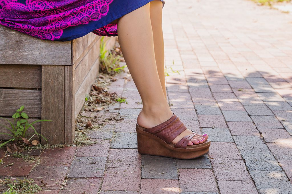 Wedge it up with OTBT's latest comfortable and stylish wedges, the Tailgate.