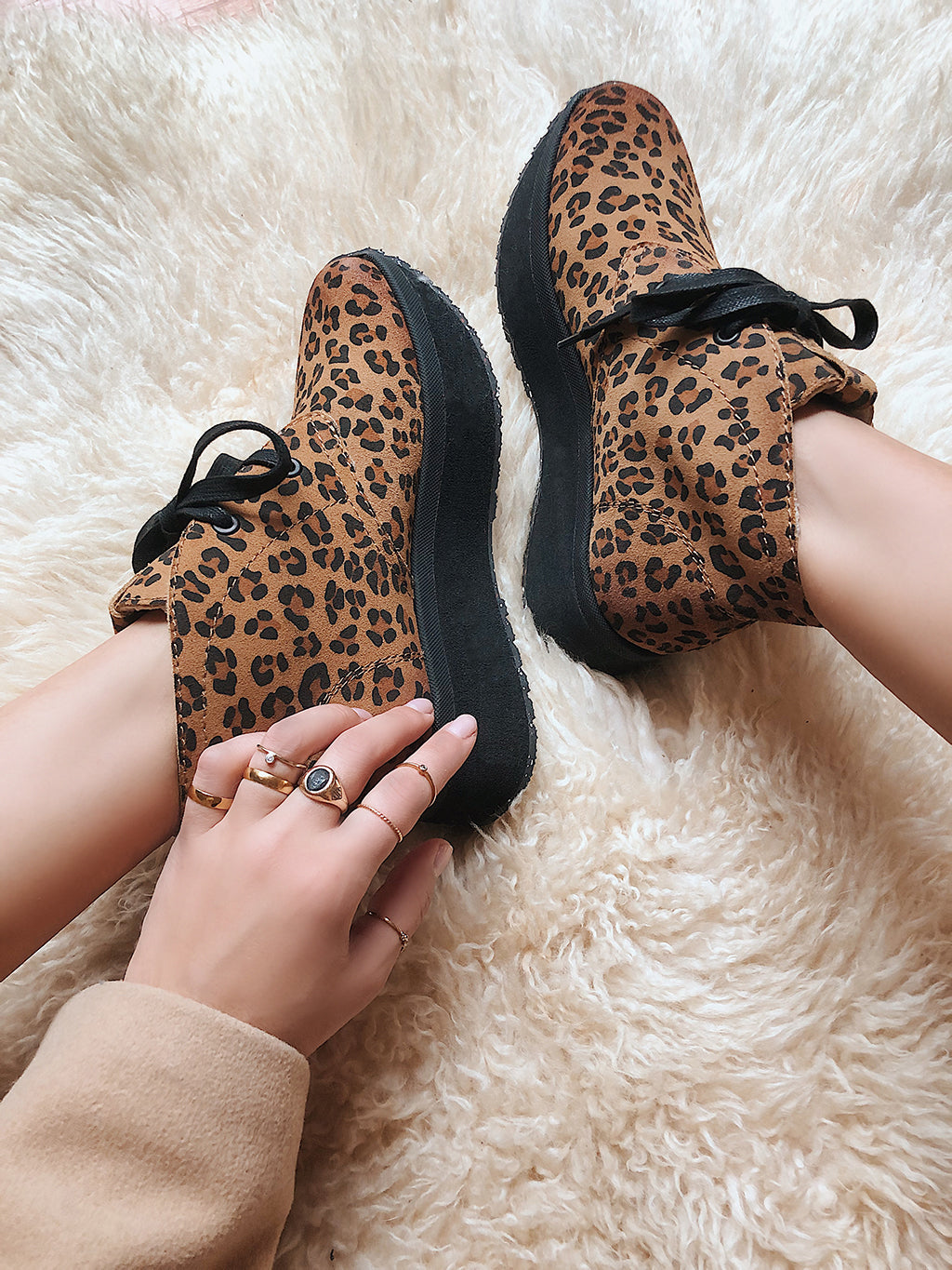 womens leather comfort fashion sneakers