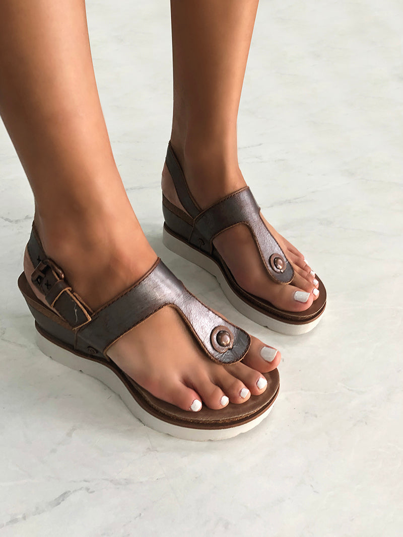 wedge flip flops for woman