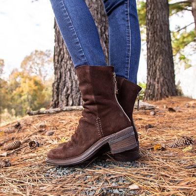 Womens mid shaft boot fernweh in dark brown close up
