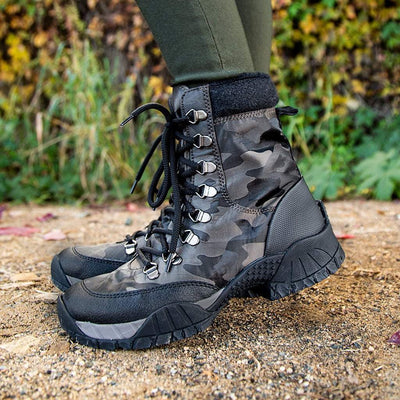 Womens cold weather boots trailmaster in mint close up