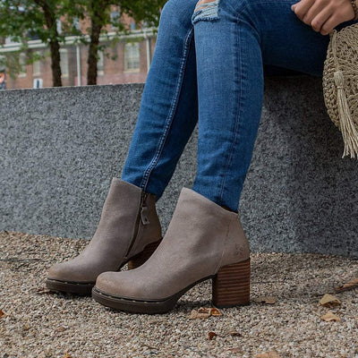 Womens ankle boot montana