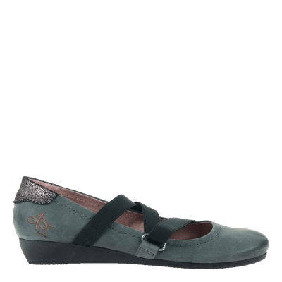 Womens flat Anora in dusty side view
