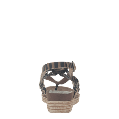 Womens sandal Aviate in New Tan back