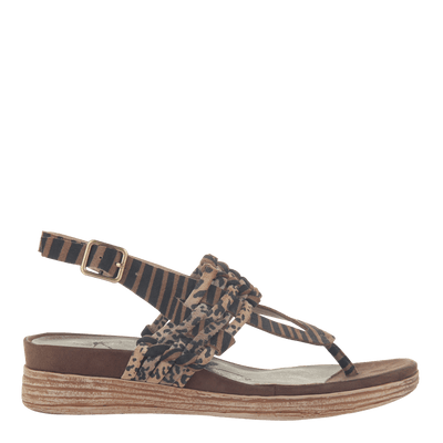 Womens sandal Aviate in New Tan right