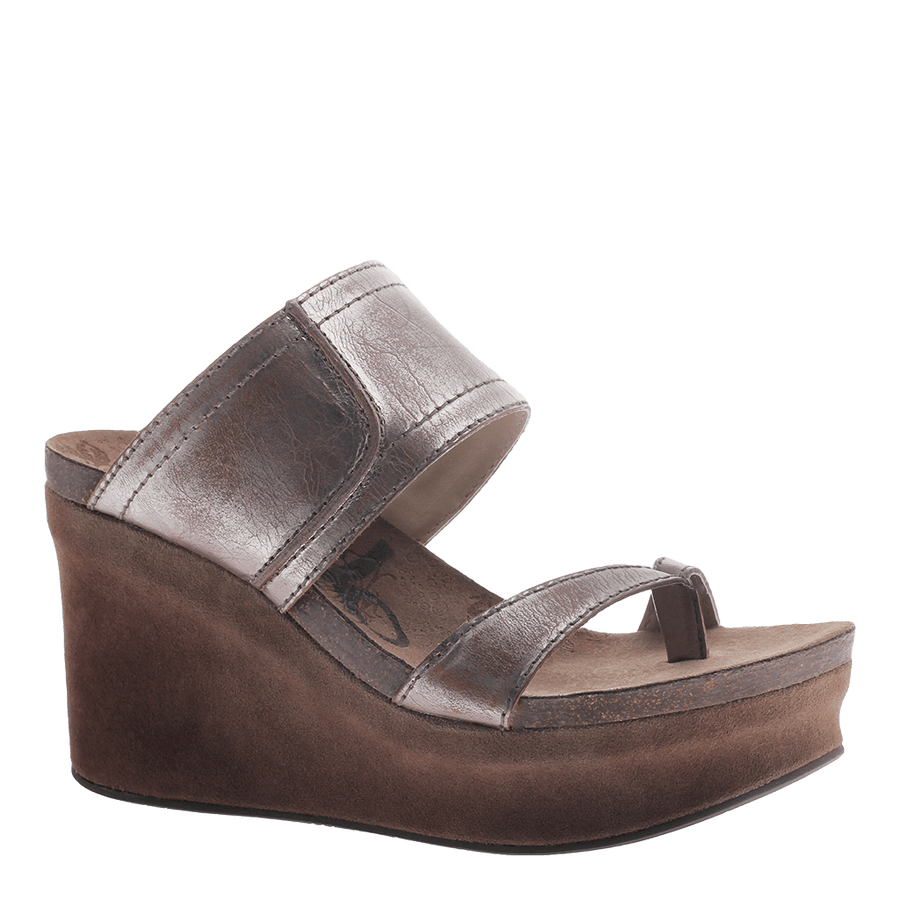 BROOKFIELD in PEWTER Wedge Sandals