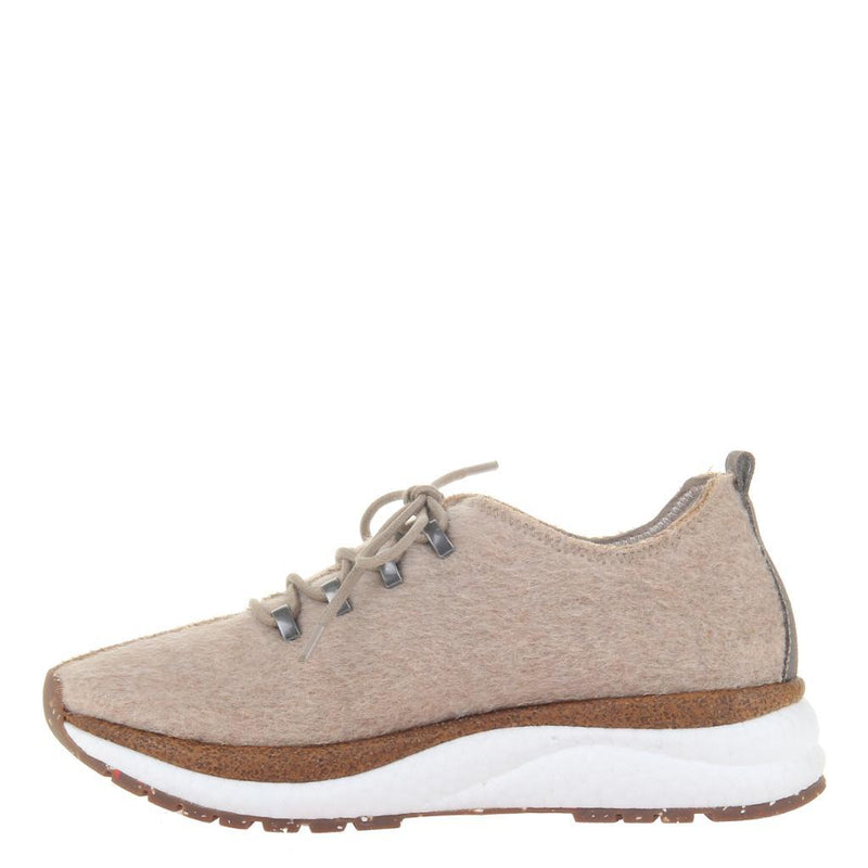 COURIER in NATURAL Sneakers