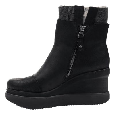 Womens ankle boot Descend in Black inside view